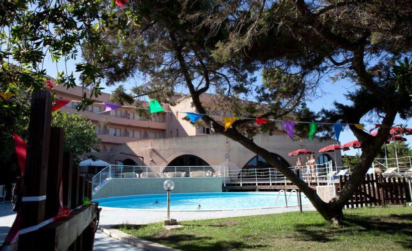club esse roccaruja piscina