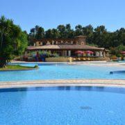 limone beach village piscina