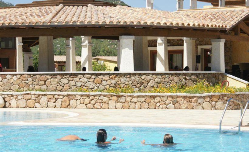 limone beach village piscina 2