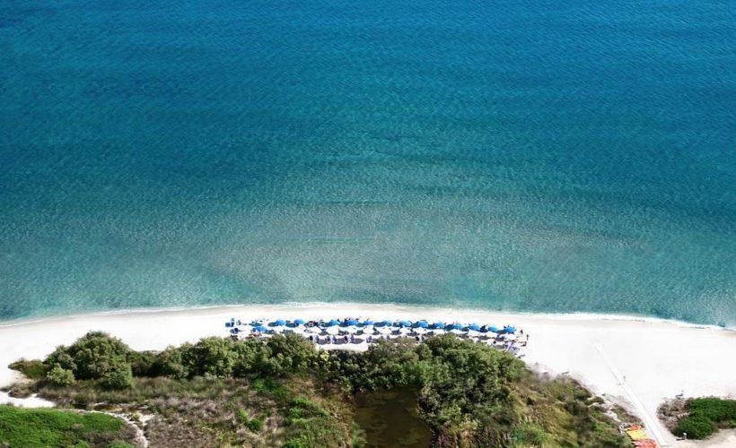 liscia eldi resort spiaggia