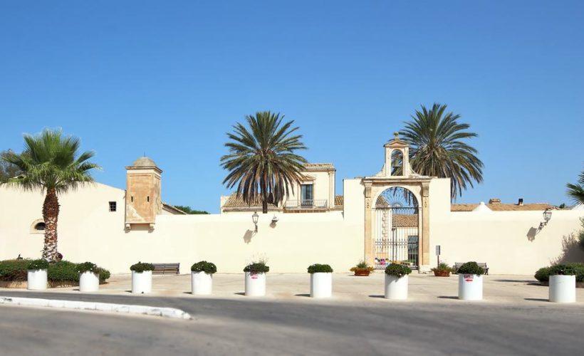 athena resort esterni