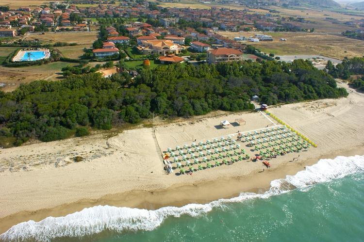 madama club village spiaggia 2