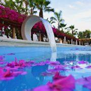 saracen sands village piscina
