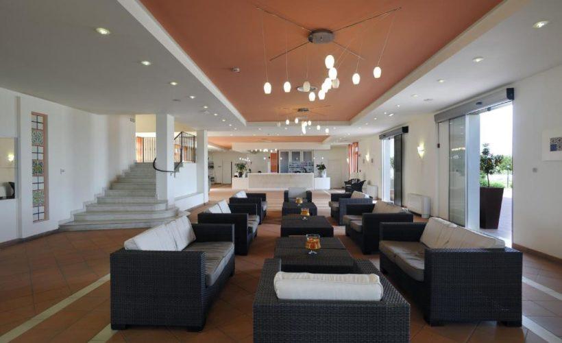 sikania resort hall