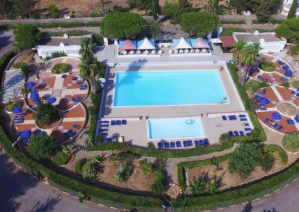 villaggio jonio club piscina