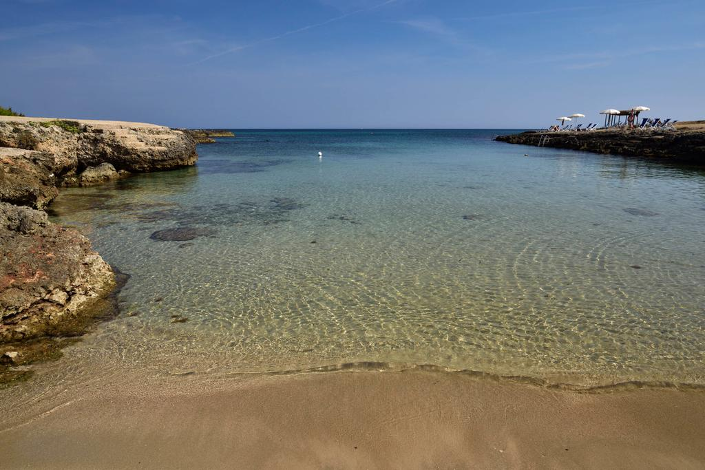 Il th resorts ostuni dispone di 3 calette di sabbia finissima for Villaggio ostuni